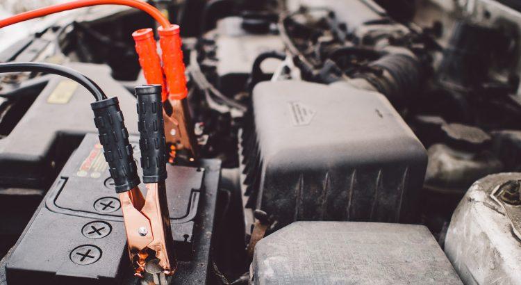 cómo pasar batería de un coche a otro