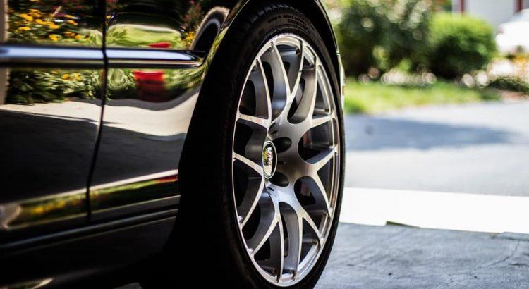 de qué está hecho un neumático